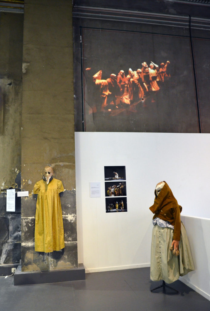 Crédit des photographies exposées: Sandrine Sitter  Extrait de la vidéo de l'atelier spectacle filmée par Pascal Boyadjian
